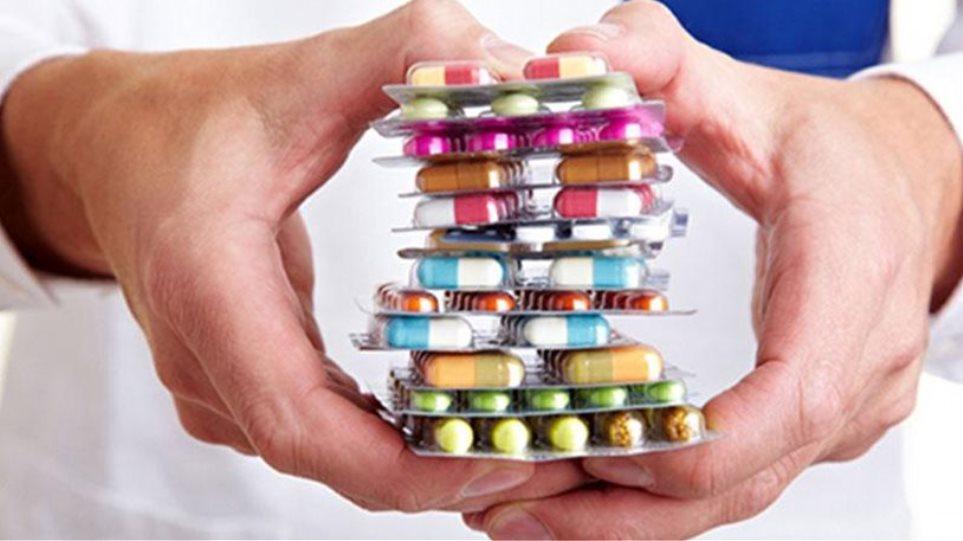 Βιταμίνη C: Οι κίνδυνοι όταν λαμβάνεται σε πολύ υψηλή δόση. Πόσοι απο εσάς αρρωσταίνετε και αμέσως τρέχετε να πάρετε βιταμίνη C; Πόσοι από εσάς παίρνετε προληπτικά για να μην αρρωστήσετε βιτ. C; Είναι αυτό μια ασφαλής λύση;